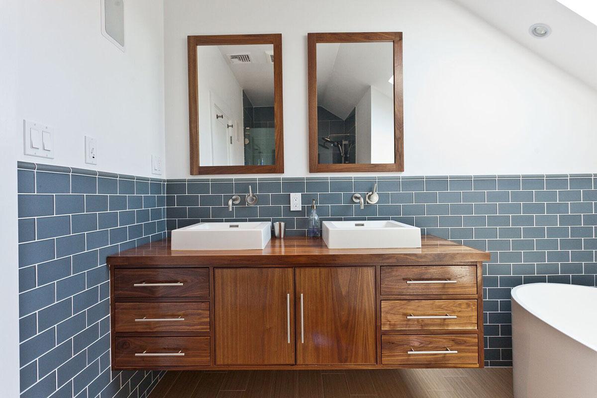 larson-bathroom